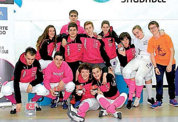 Representantes del 100Tolos en A Coruña - FOTO: ECG