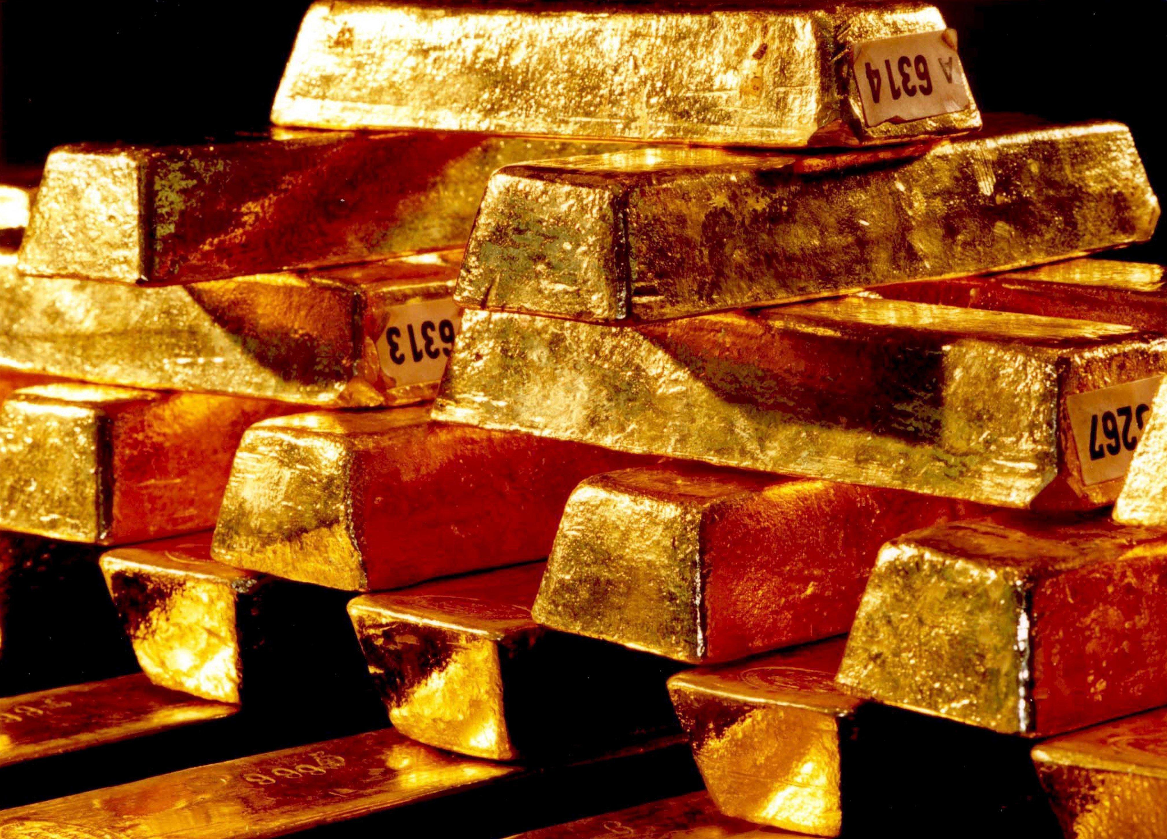 Fotografía que muestra lingotes de oro apilados en la cámara de seguridad del Bundesbank en Fráncfort  - FOTO: efe