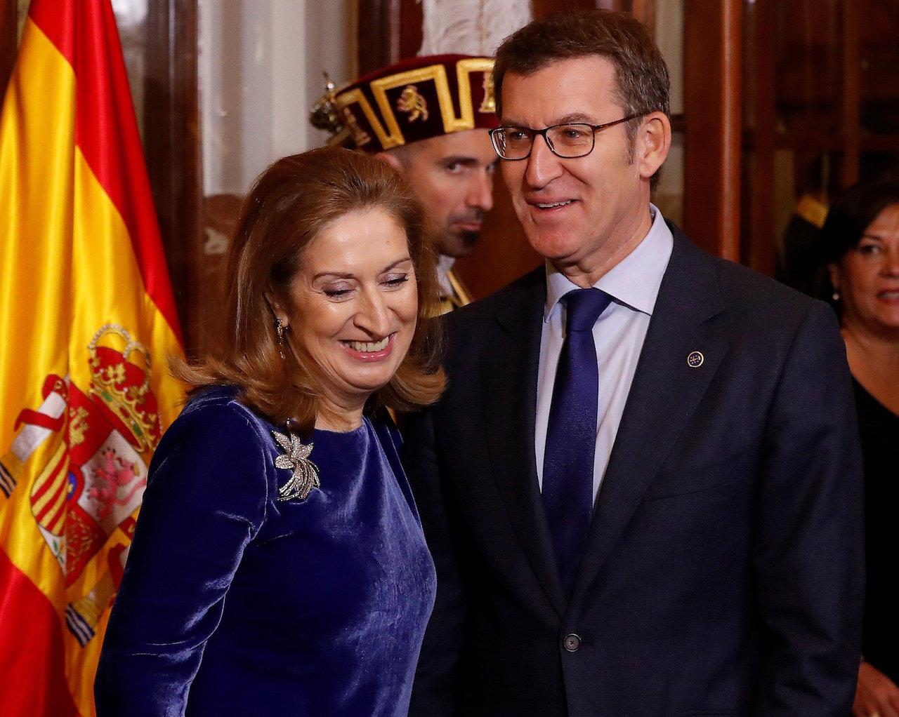 Ana Pastor, presidenta del Congreso, con el máximo mandatario de la Xunta, Núñez Feijóo, durante los actos celebrados este miércoles en Madrid - FOTO: Efe