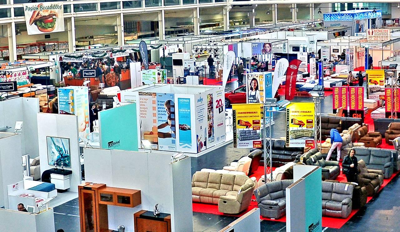 La Feria de Autónomos de Galicia, en el momento de su inauguración, ayer al mediodía en Expocoruña - FOTO: ALMARA