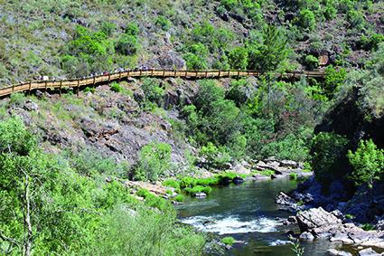 ESPECTACULAR PAISAJE Los Passadiços do Paiva (Arouca) proporcionan un paseo inolvidable - FOTO: ECG