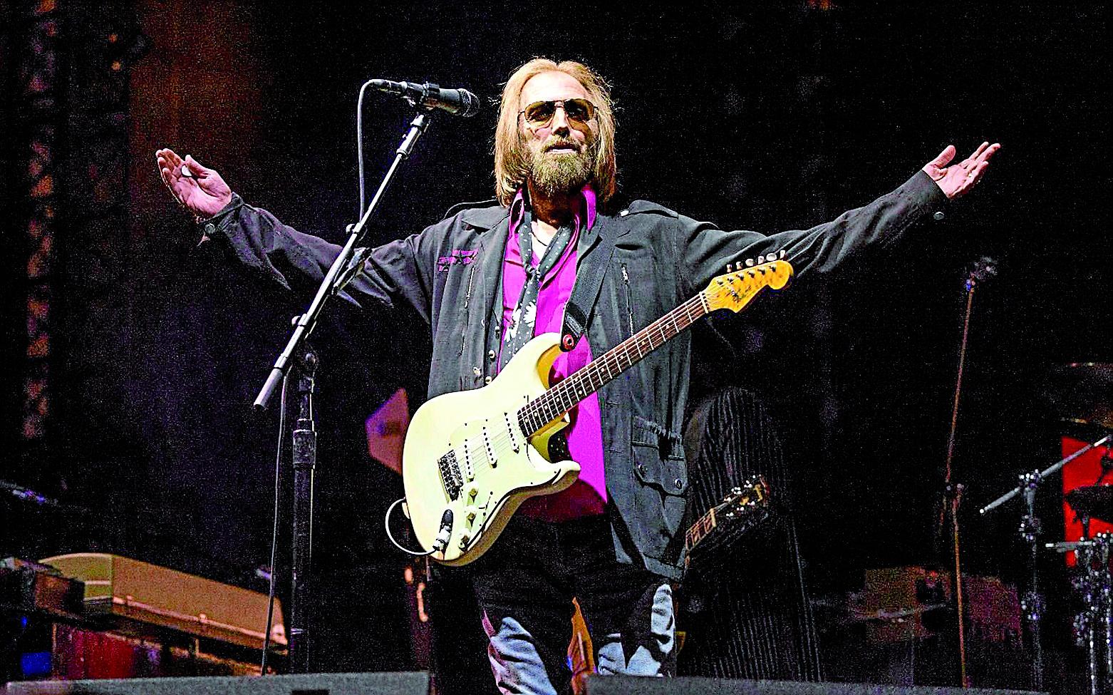 Las canciones de Tom Petty contenían esa promesa eterna de vida instantánea y llegaron a ilustrar ese momento donde todo lo importante sucede bajo el embrujo de unos acordes