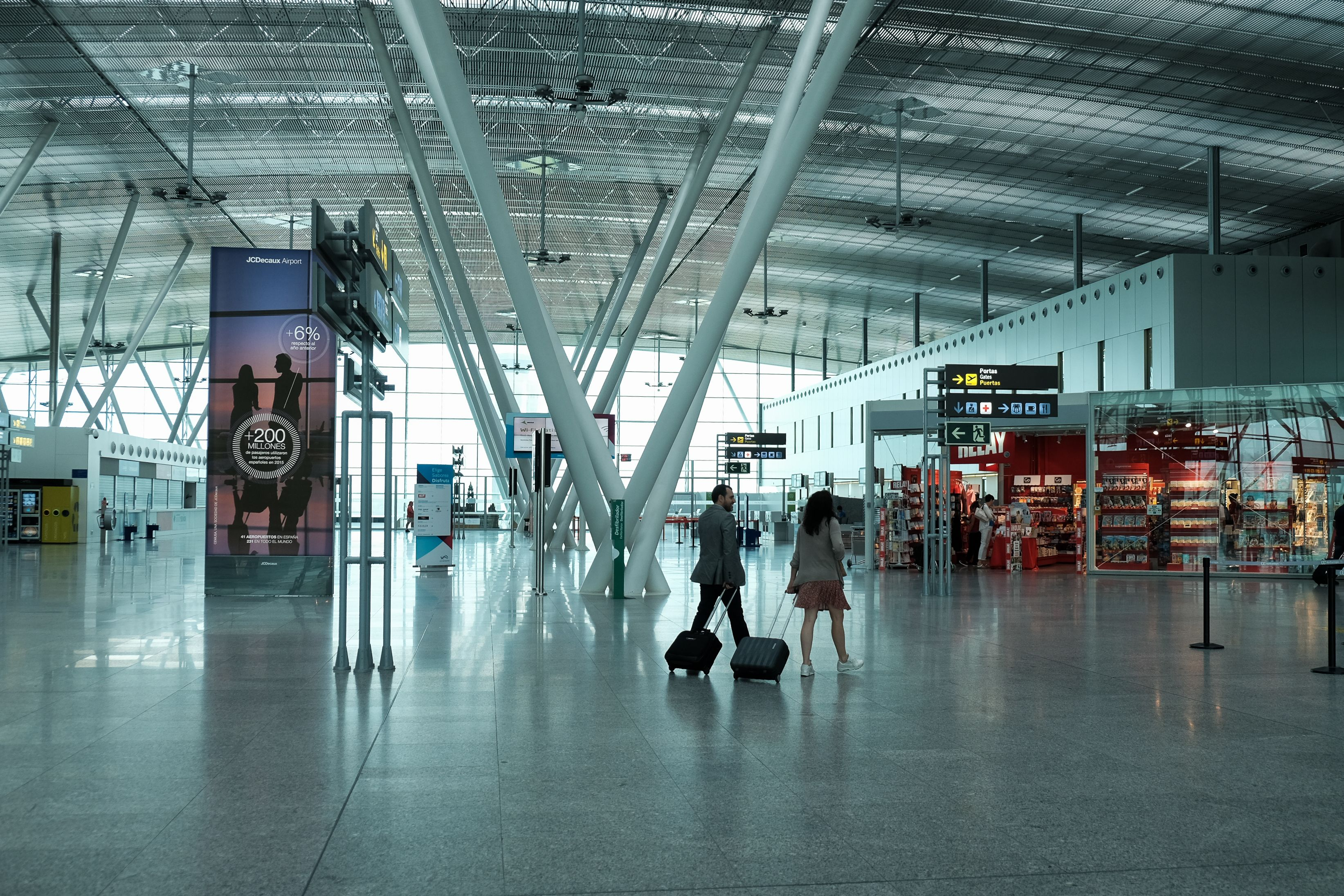 Instalaciones del aeropuerto de Lavacolla - FOTO: Arxina