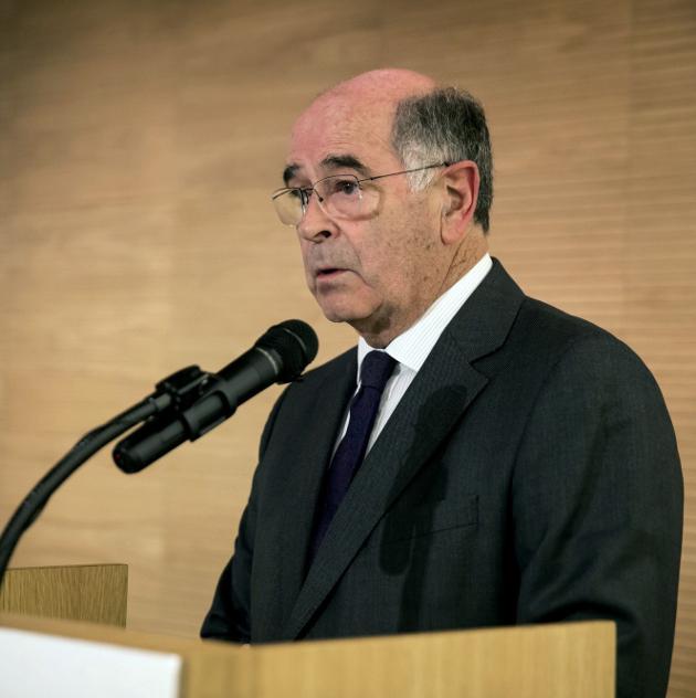 José Sierra recibiendo el premio Gallego del Año