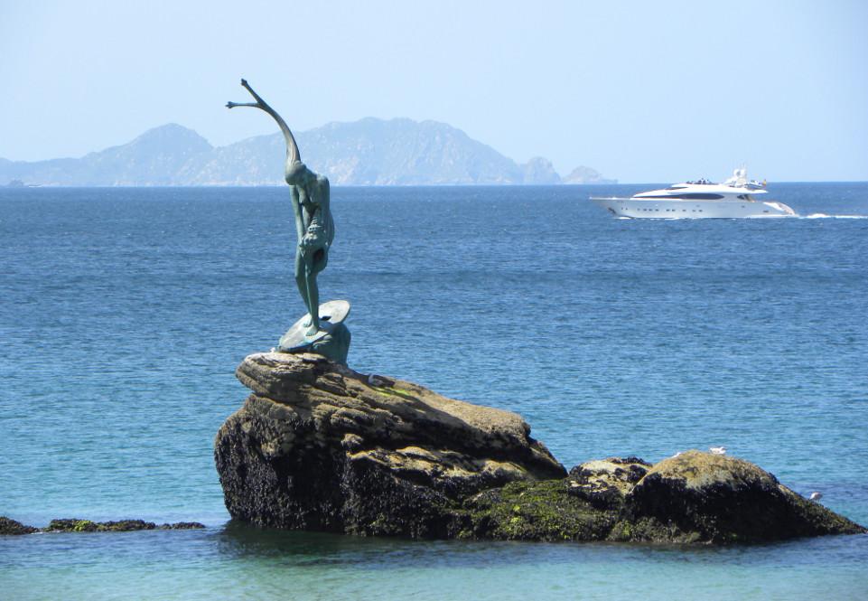 'La Madama de Silgar', obra del escultor gallego Alfonso Vilar Lamelas - FOTO: sanxenxotur.com
