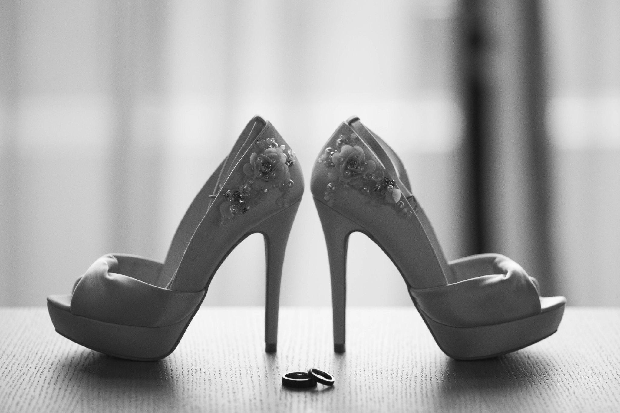 Imagen de unos zapatos con tacón - FOTO: www.ladiapo.com