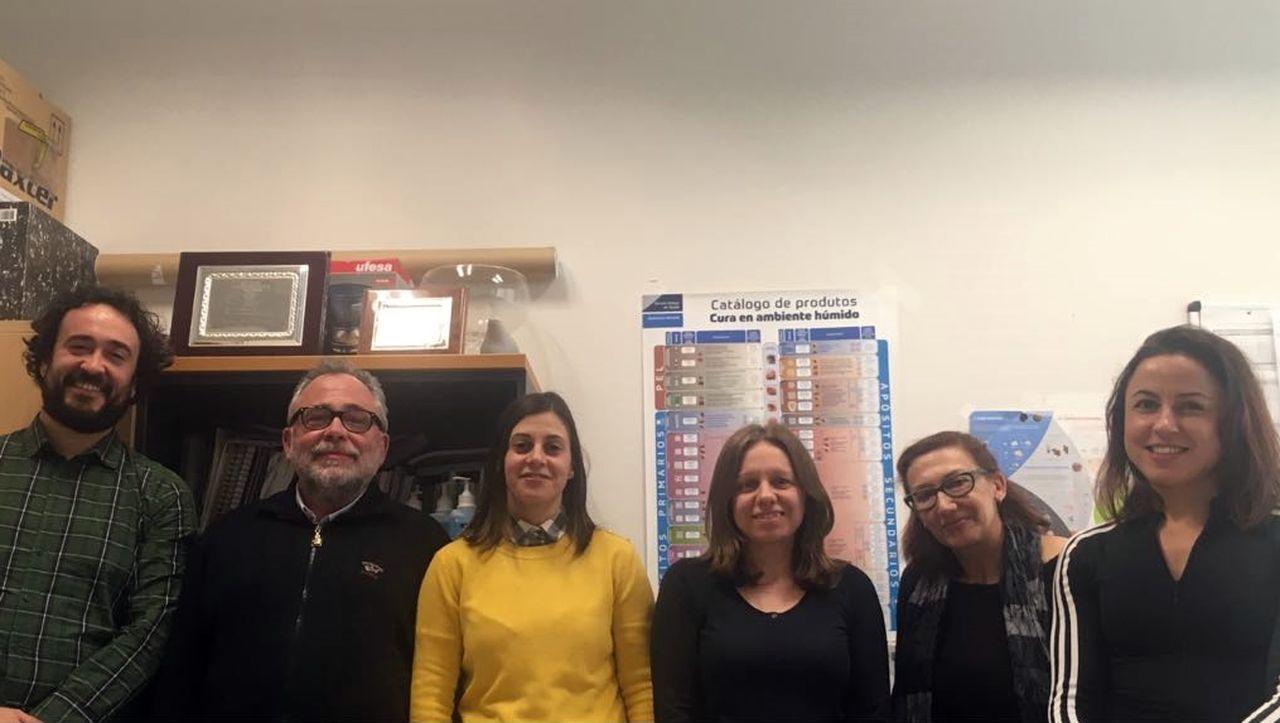 Lucas Fernández, izquierda, Antón Barba, Rocío García, Sonia Fernández, Mª Jesús Vila y Paula Esteiro - FOTO: Cedida