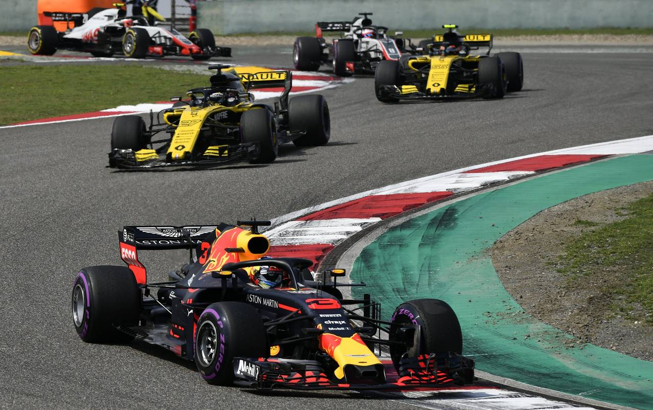 Shanghai (China), 15/04/2018. Daniel Ricciardo of Aston Martin Red Bull, en acción durante el Gran Premio de China de F-1 en el circuito de Shanghai  - FOTO: EFE/EPA/FRANCK ROBICHON