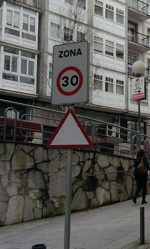 Sinal na rúa Nova de Abaixo - FOTO: ECG