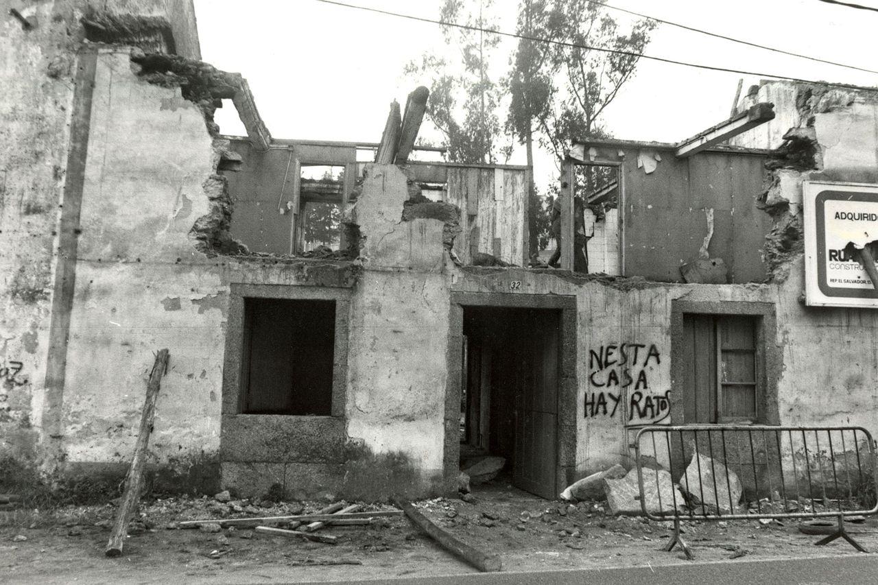 Tanto la sede del Concello como el edifcio que albergaba el juzgado fueron demolidos en 1988 - FOTO: ECG