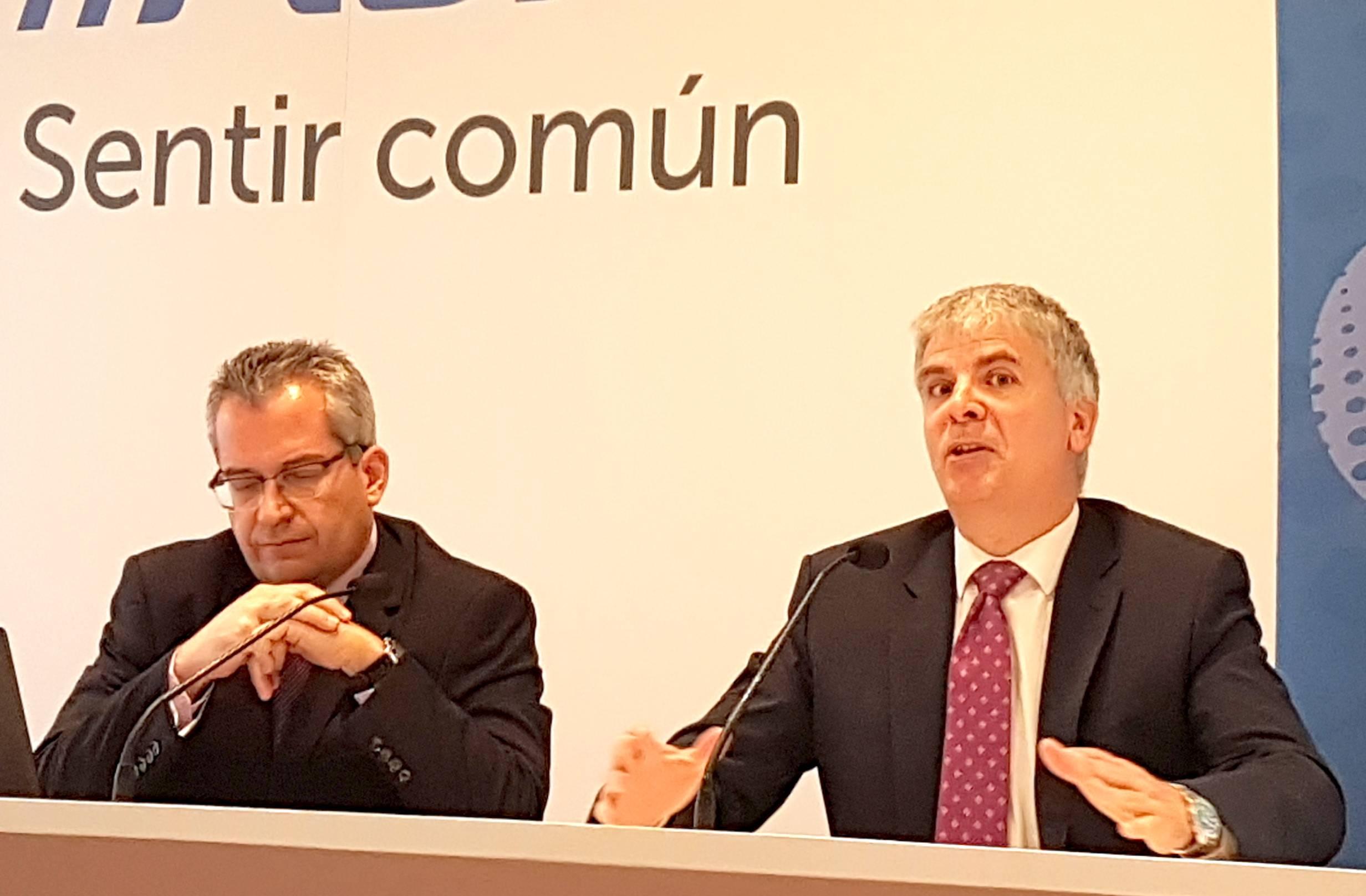 A la izquierda, Patricio Sánchez con Santiago Lago - FOTO: I. A