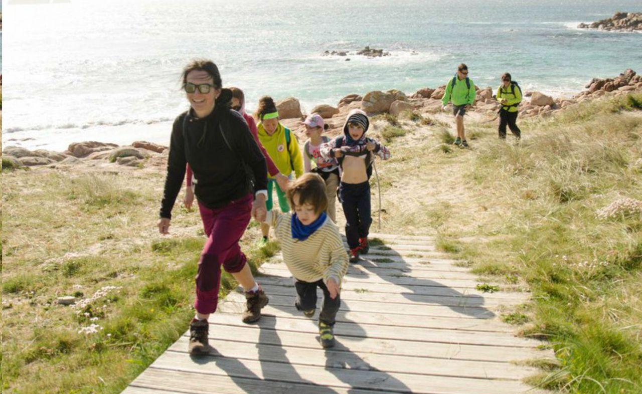Un momento da segunda etapa do Camiño dos Faros Infantil - FOTO: O Camiño dos Faros