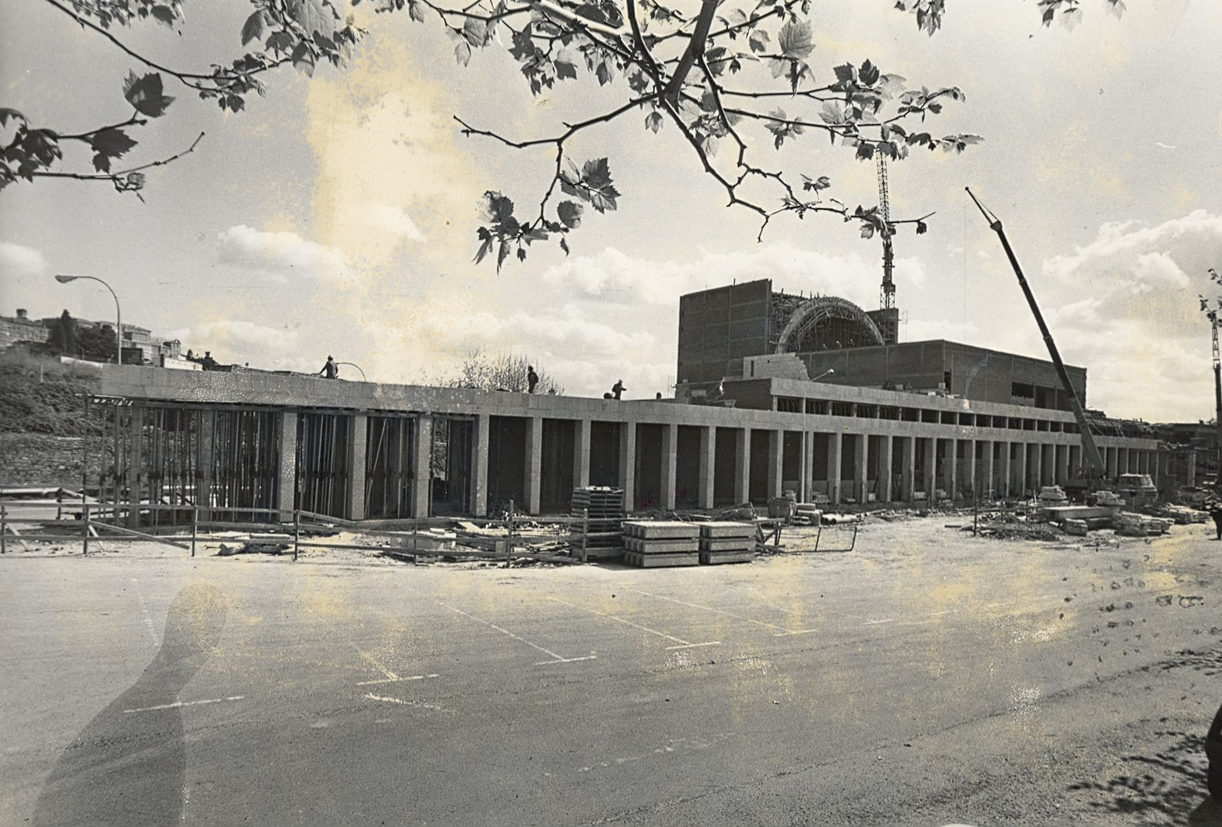 Imagen de las obras del Auditorio de Galicia tomada, en abril de 1989, por el fotoperiodista Manolo Blanco  - FOTO: ECG