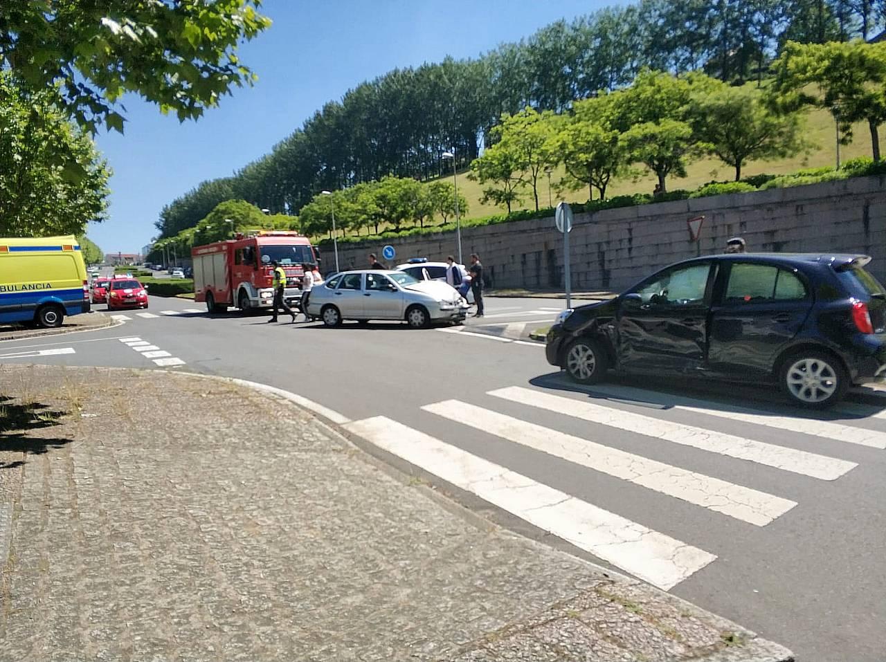 Imagen del escenario del choque y los coches implicados - FOTO: ECG