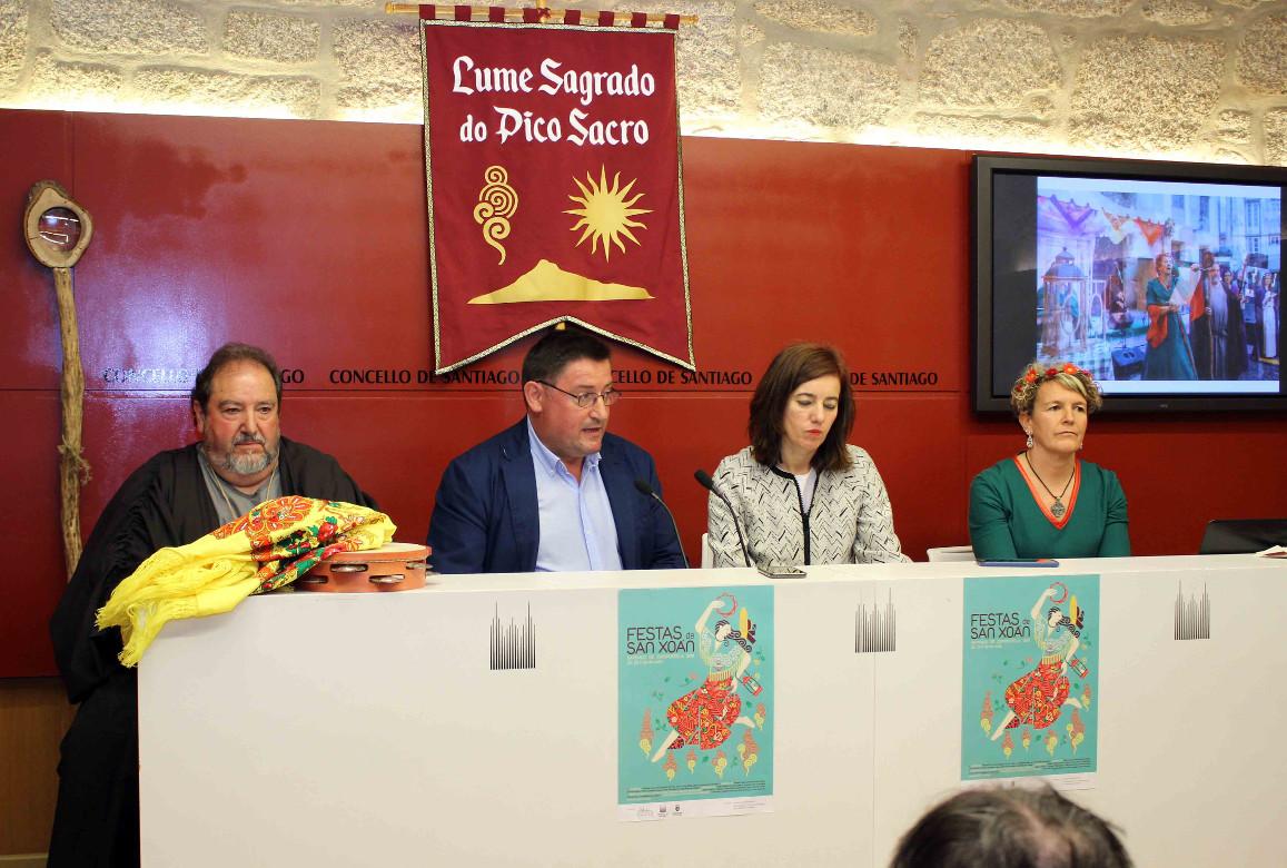 Pola esquerda, Gumersindo Pereiras, Manuel Fernández, Marta Lois e Montserrat Torres, onte.  - FOTO: ECG