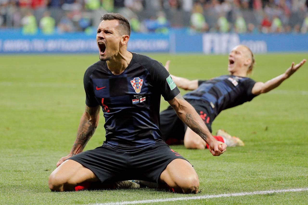 MOSCÚ (RUSIA), 11/07/2018.- El defensa croata Dejan Lovren celebra la victoria tras el partido Croacia-Inglaterra, de semifinales del Mundial de Fútbol de Rusia 2018, en el Estadio Luzhnikí de Moscú, Rusia, hoy 11 de julio de 2018.  - FOTO: EFE/Lavandeira Jr