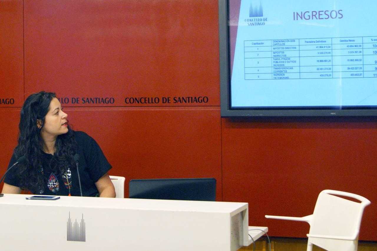 María Rozas presenta os datos da liquidación - FOTO: Concello de Santiago