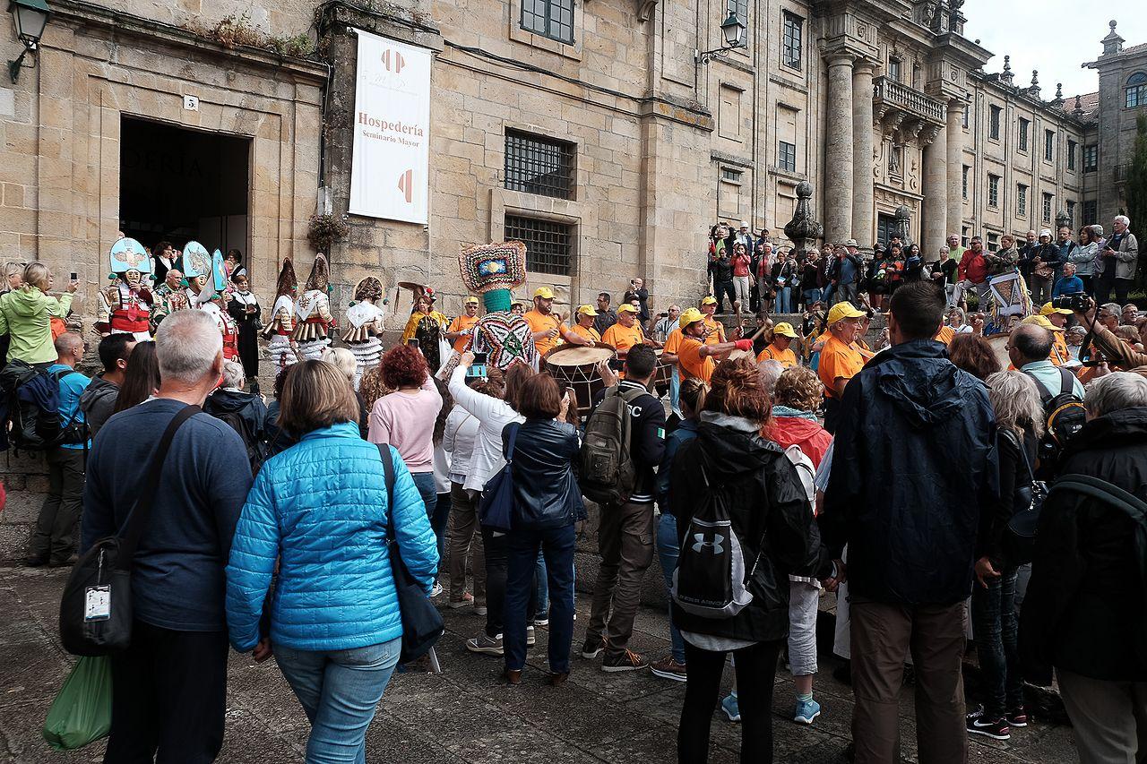 Mostra en Santiago de entroidos declarados como Festas de Interese Turístico
