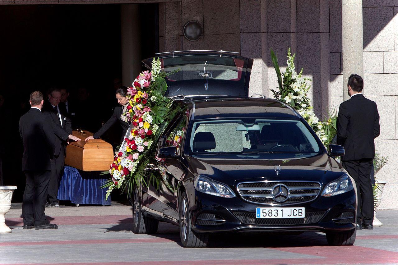 Familiares y amigos despiden a Diana Quer en su entierro