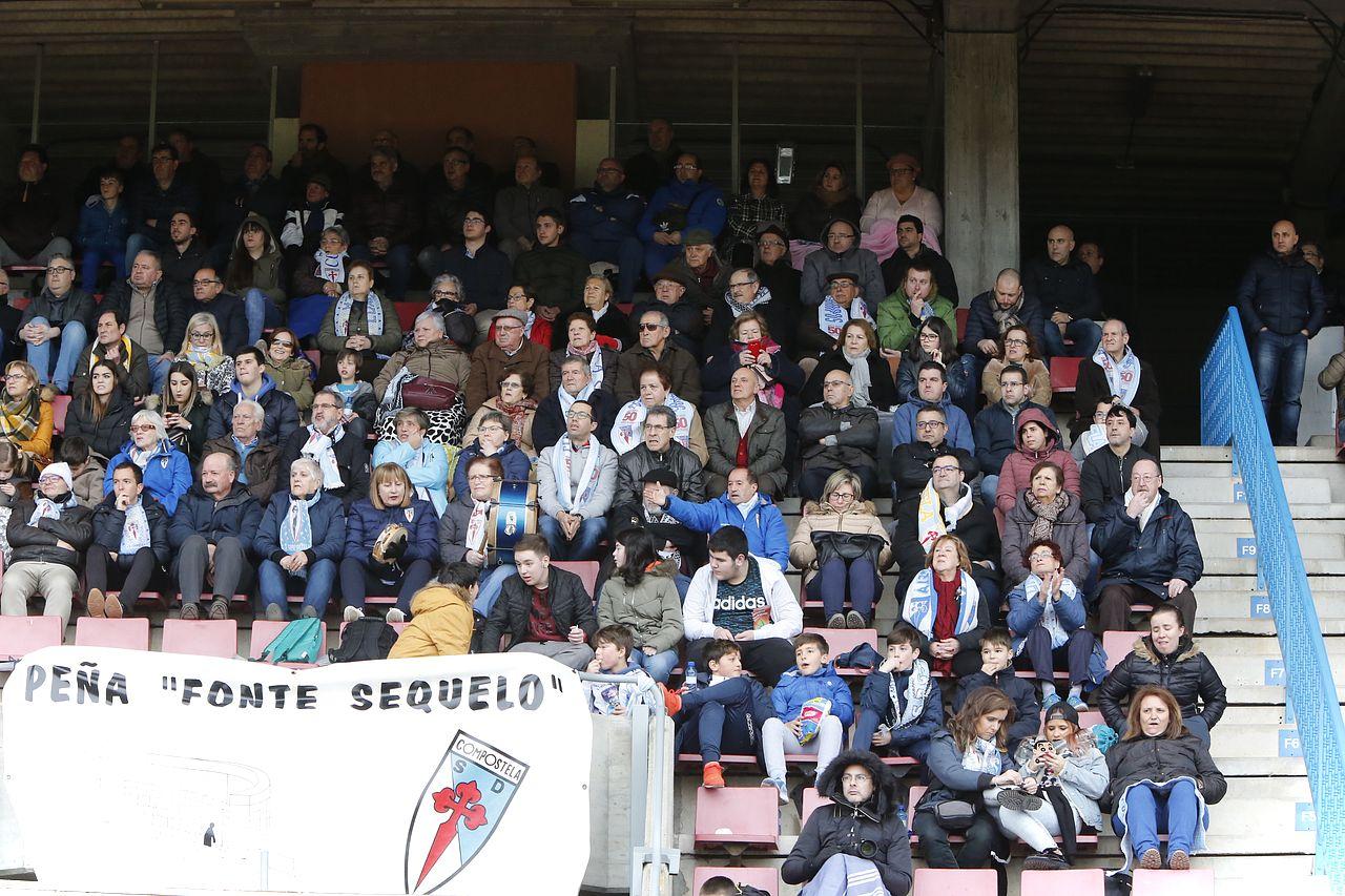 Búsquese en la grada del partido del partido SD Compostela, 0 - Bergantiños, 1